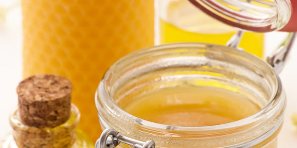 The Amazing Benefits Of Beeswax For The Skin